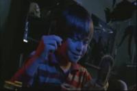 通信販売で買ったヴードゥー人形で父親に呪いをかけるジョー・ヒル