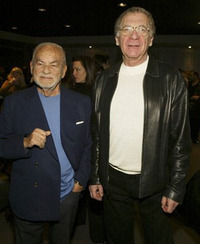 シドニー・ポラック(右)とディノ・デ・ラウレンティスの「コンドル」コンビ