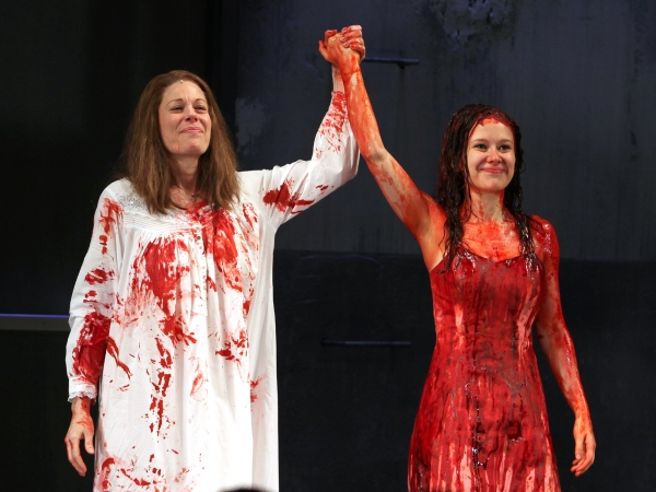 2012年3月1日 ミュージカル版「キャリー」オープニング・ナイトのカーテンコール