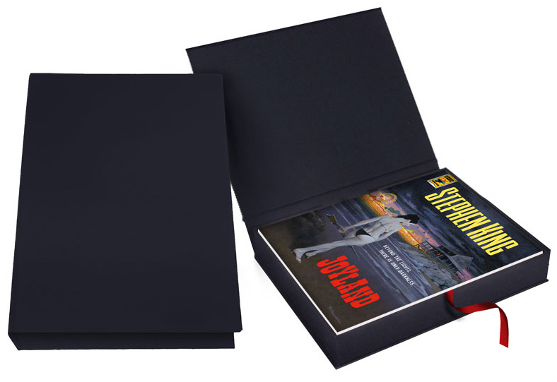 「Joyland」トレイ・ケース入りのサイン入りレタード・エディションのハードカバー。26部限定。