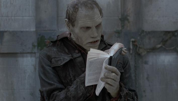 スティーヴン・キングの「呪われた町」を読むバブ